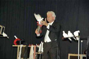 Zauberkünstler Cartini, Mitglied des Magischen Zirkels von Deutschland e. V.
